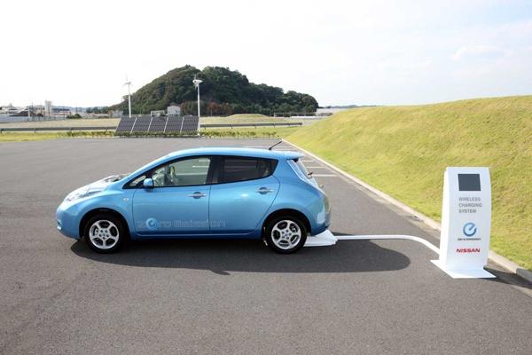 Nissan dá primeiros passos nos serviços de táxi