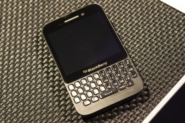 blackberry-q5_0_0