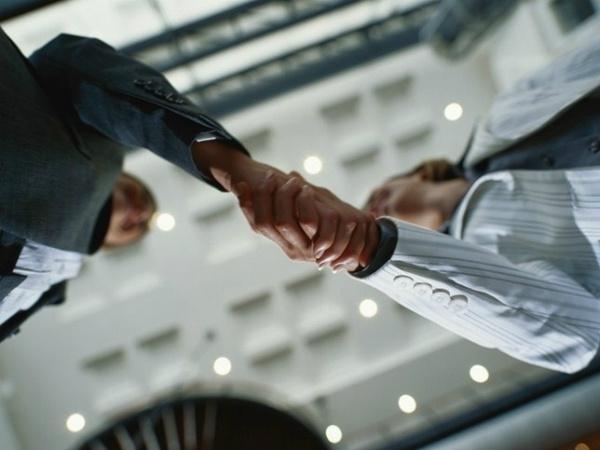 empresas-brasileiras-adotam-estilo-alemao-para-explorar-a-copa-do-mundo-05-10-2012-14-35-650-750