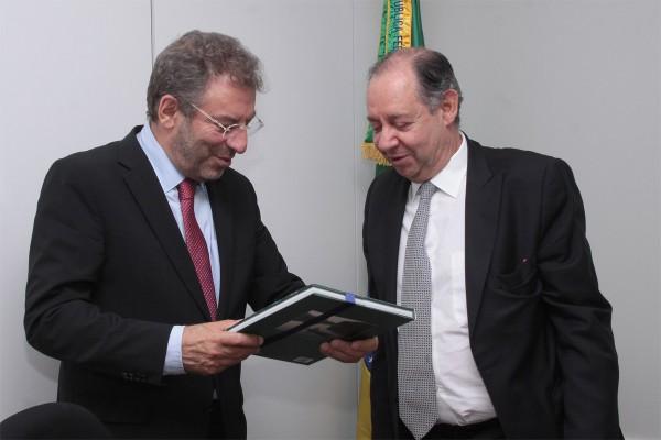 Reunião com ministro de Portugal - 1