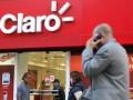 CHIPS30 RJ 23/07/2012  - ECONOMIA - OPERADORAS/VENDA DE CHIPS  OE JT -  Fachada de uma loja da operadora Claro, no centro do Rio de Janeiro.  Foto: FABIO MOTTA/AGENCIA ESTADO/AE